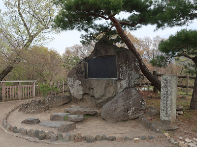 千曲川旅情の詩碑